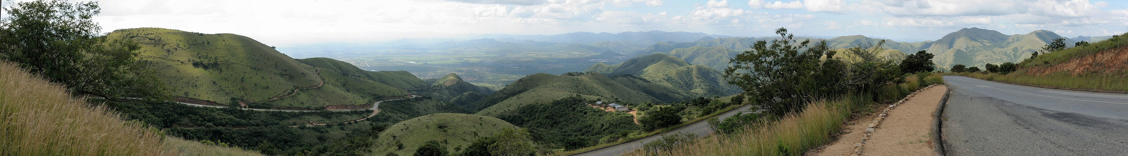 A panoramic photograph of the Makhonjwa Mountains area